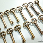 15 KEYS old stye vintage french antique look solid heavy brass aged key 70mm