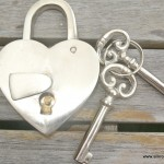 "silver PADLOCK 3.1/2"" Vintage stye HEART LOVE brass wedding bridge 2 key working"
