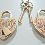 "2 EMBOSSED 3"" Vintage style antique ""HEART LOVE PADLOCK "" shape solid brass 2 keys heavy lock works"